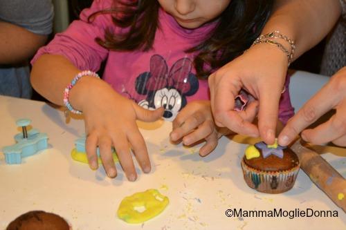 Decorare cup cake con i bambini