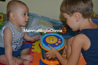 Fratello-maggiore-fratellino-2-MammaMoglieDonna
