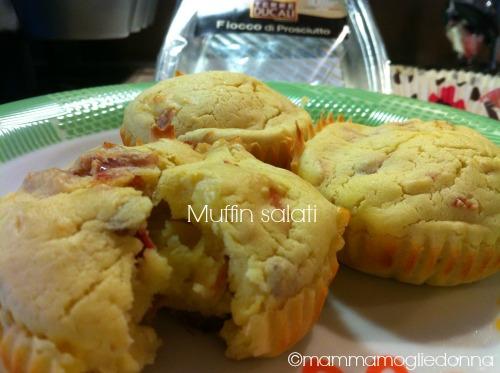 Muffin salati al parmigiano e prosciutto crudo