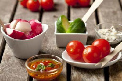 Verdura del mese: ricette con i ravanelli con pinzimonio