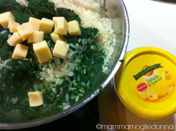 Riso con spinaci e formaggio filante 2