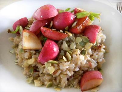 Verdura del mese: ricette con i ravanelli risotto di ravanelli