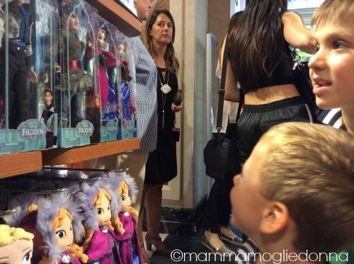 Disney Store Roma 1