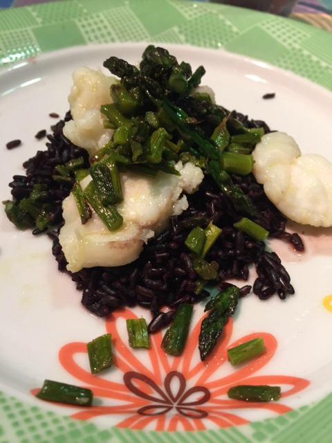 Riso venere con asparagi e rana pescatrice 1