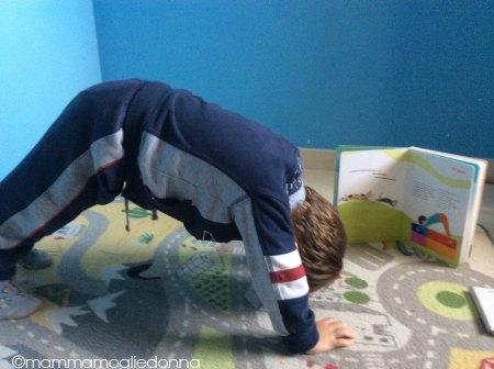 giochiamo allo yoga - cane