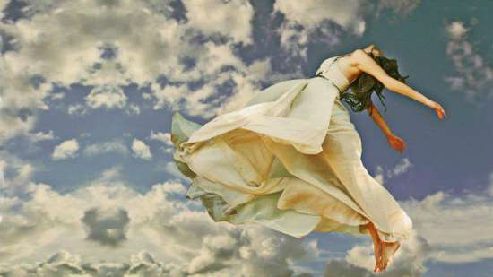 donna-in-volo-libera