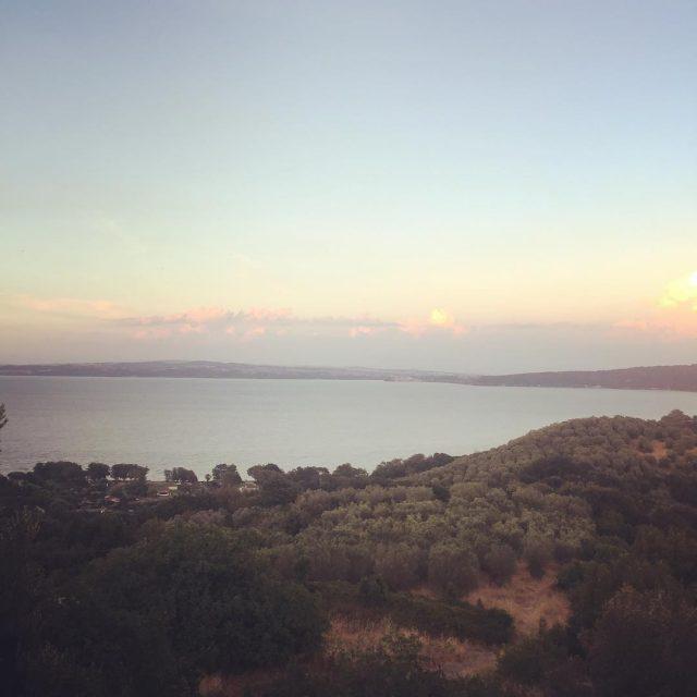 Tramonto sul lago di Bracciano Bracciano merita davvero di esserehellip