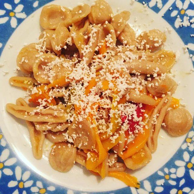 Maritati integrali con peperoni locali e ricotta salata Perch inhellip