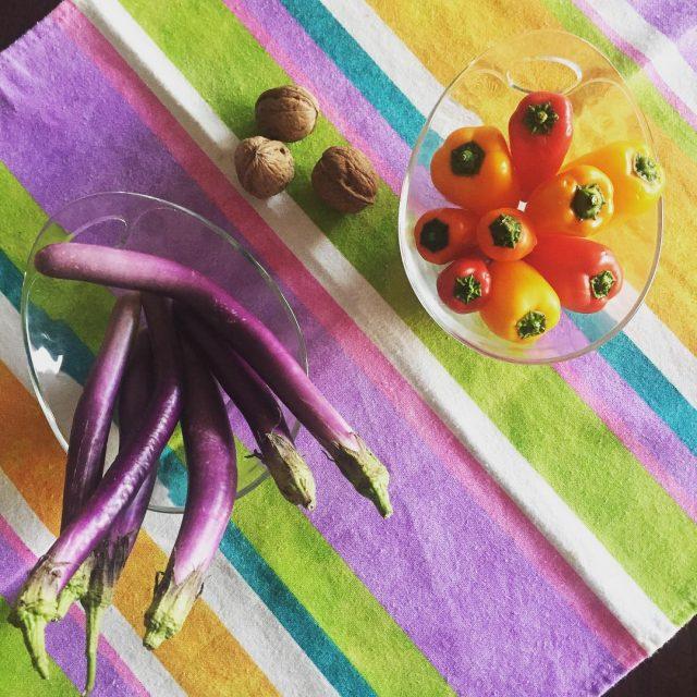 Ieri ho trovato delle verdure bellissime peperoni e melanzane minihellip