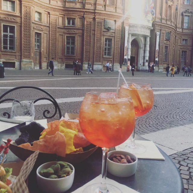 Aperitivo in piazza Carignano con 100per100mamma e le sue adorabilihellip